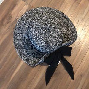 NWT Nine West Floppy Sun Hat